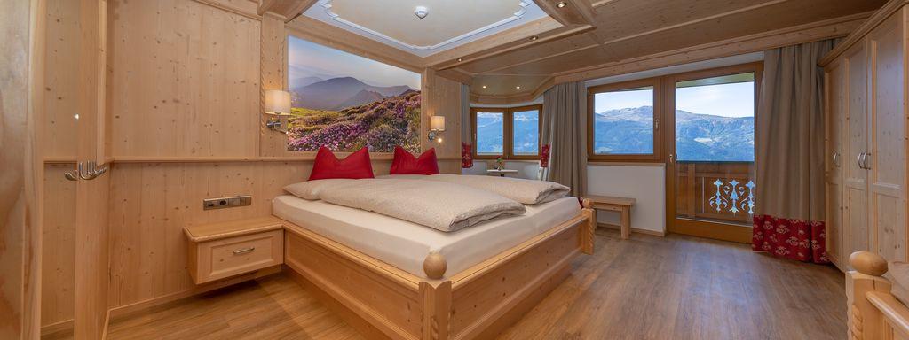 Zimmer mit wunderschönem Ausblick ins Tal, © becknaphoto