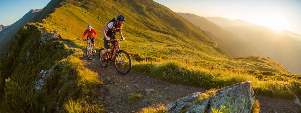Bike Tour bei Sonnenaufgang